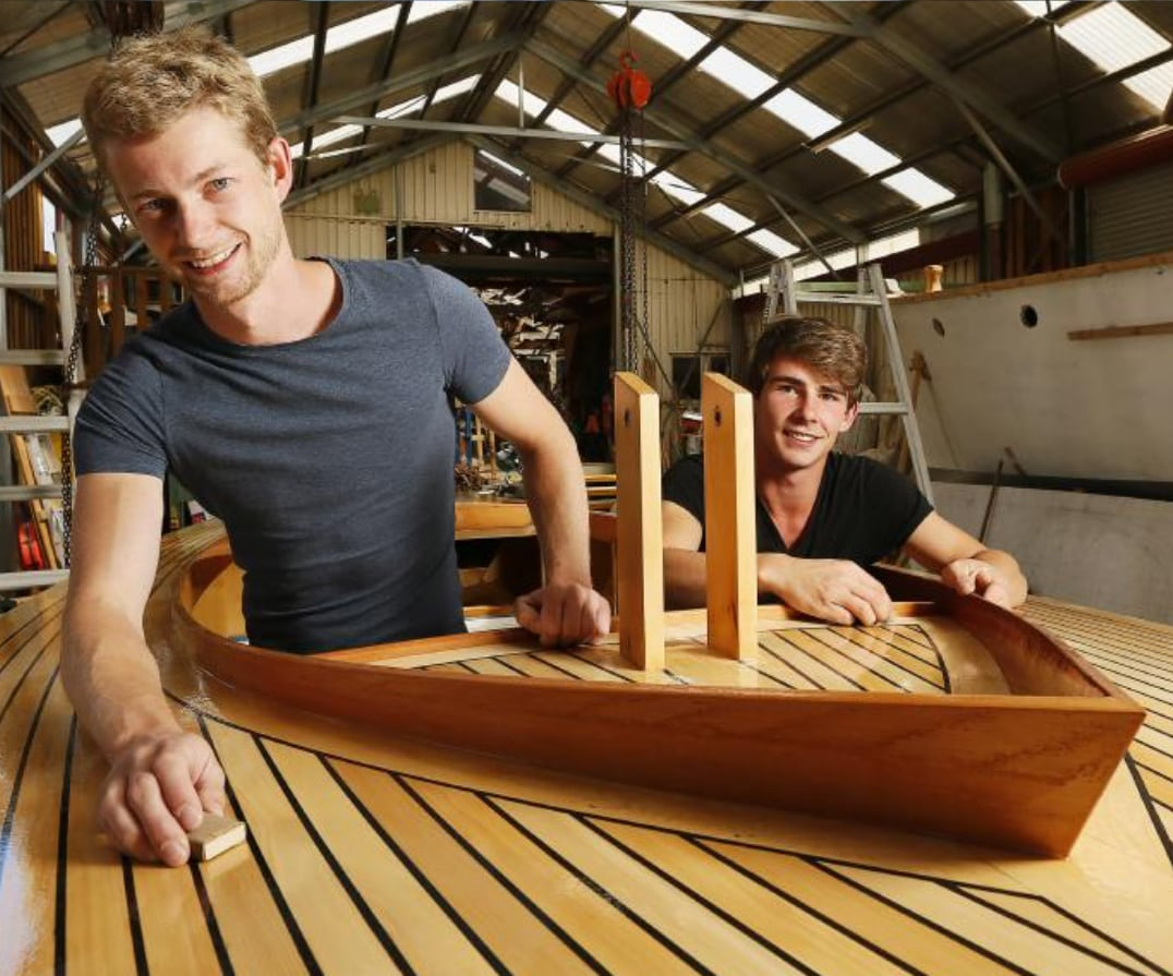Making wooden boat